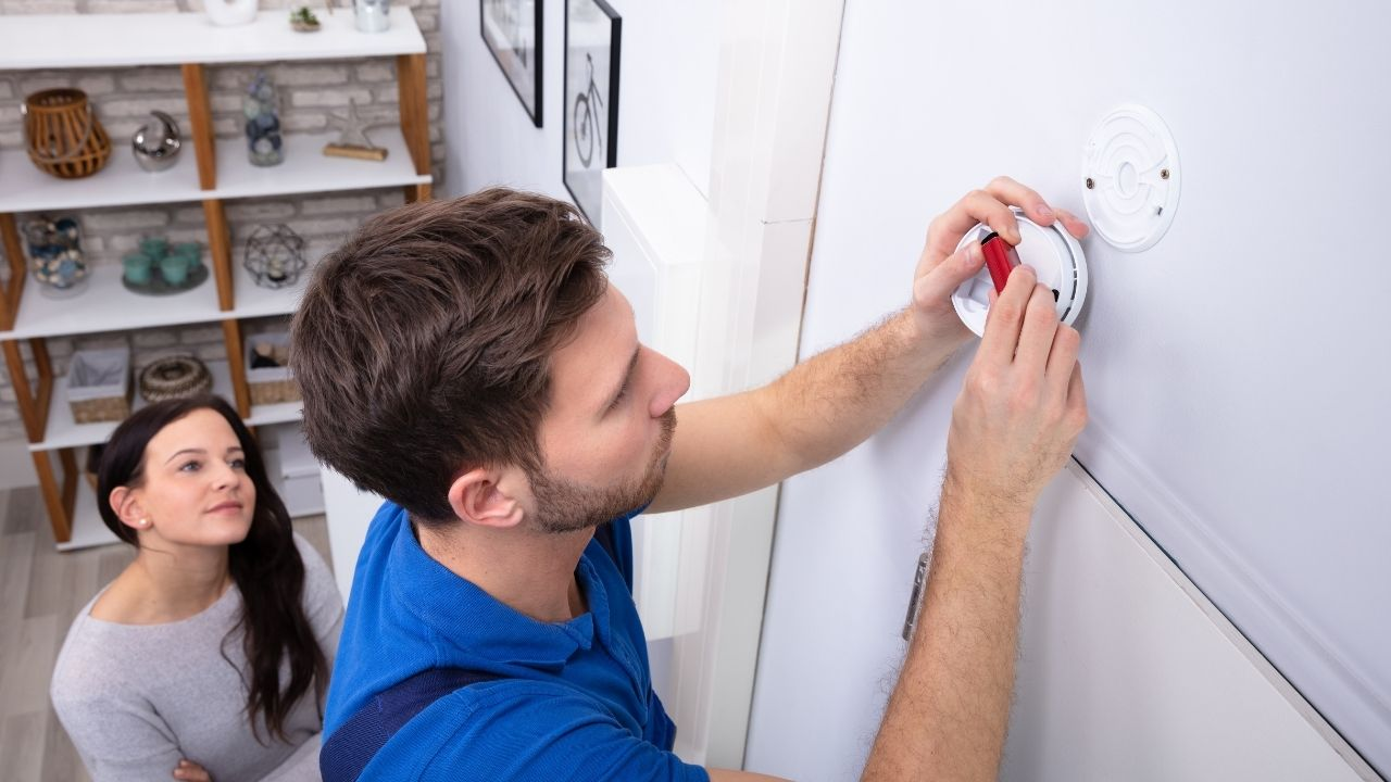 What Should You Do When Your Smoke Alarm Beeps